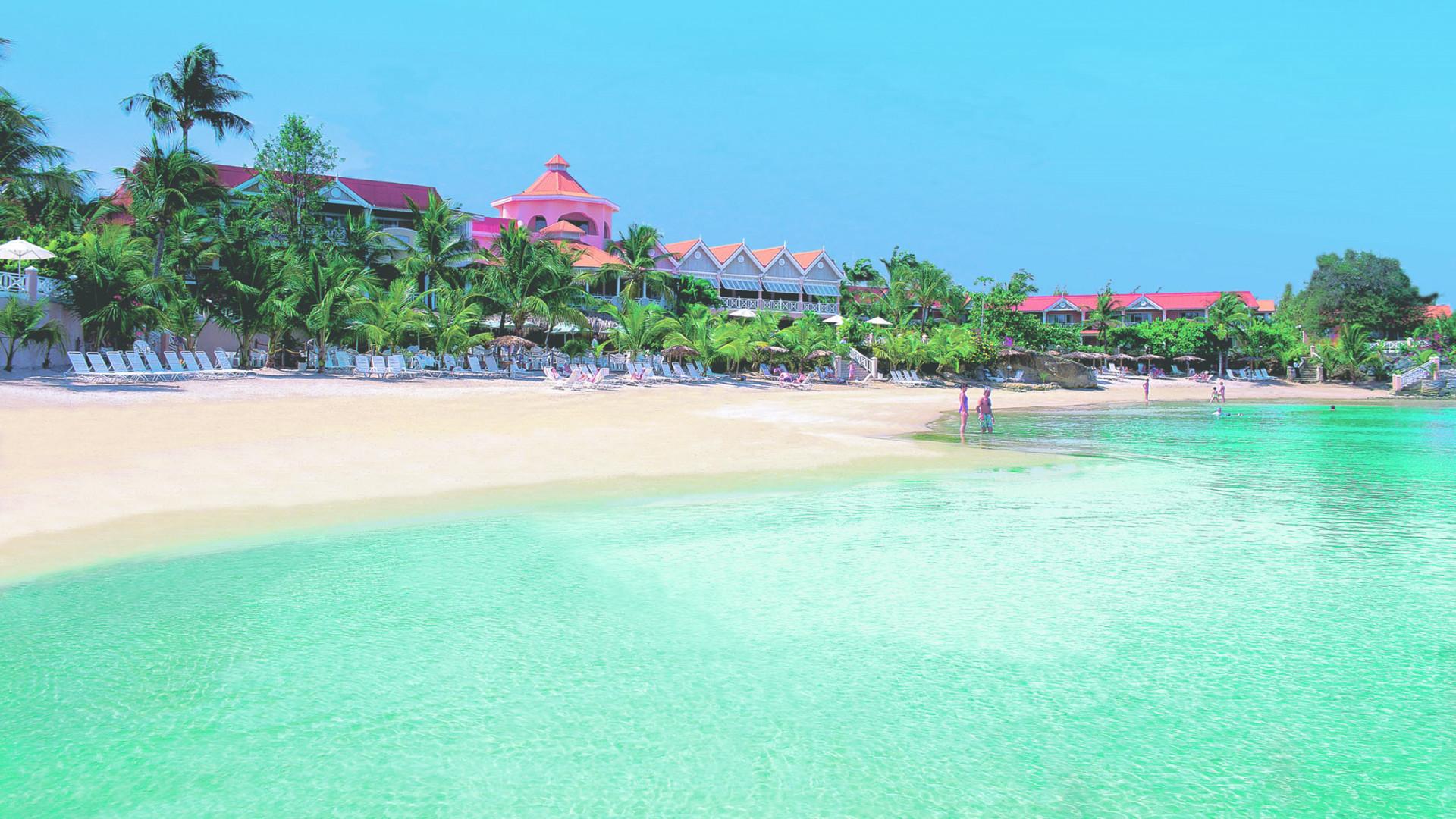 Coco Reef Beach, Tobago