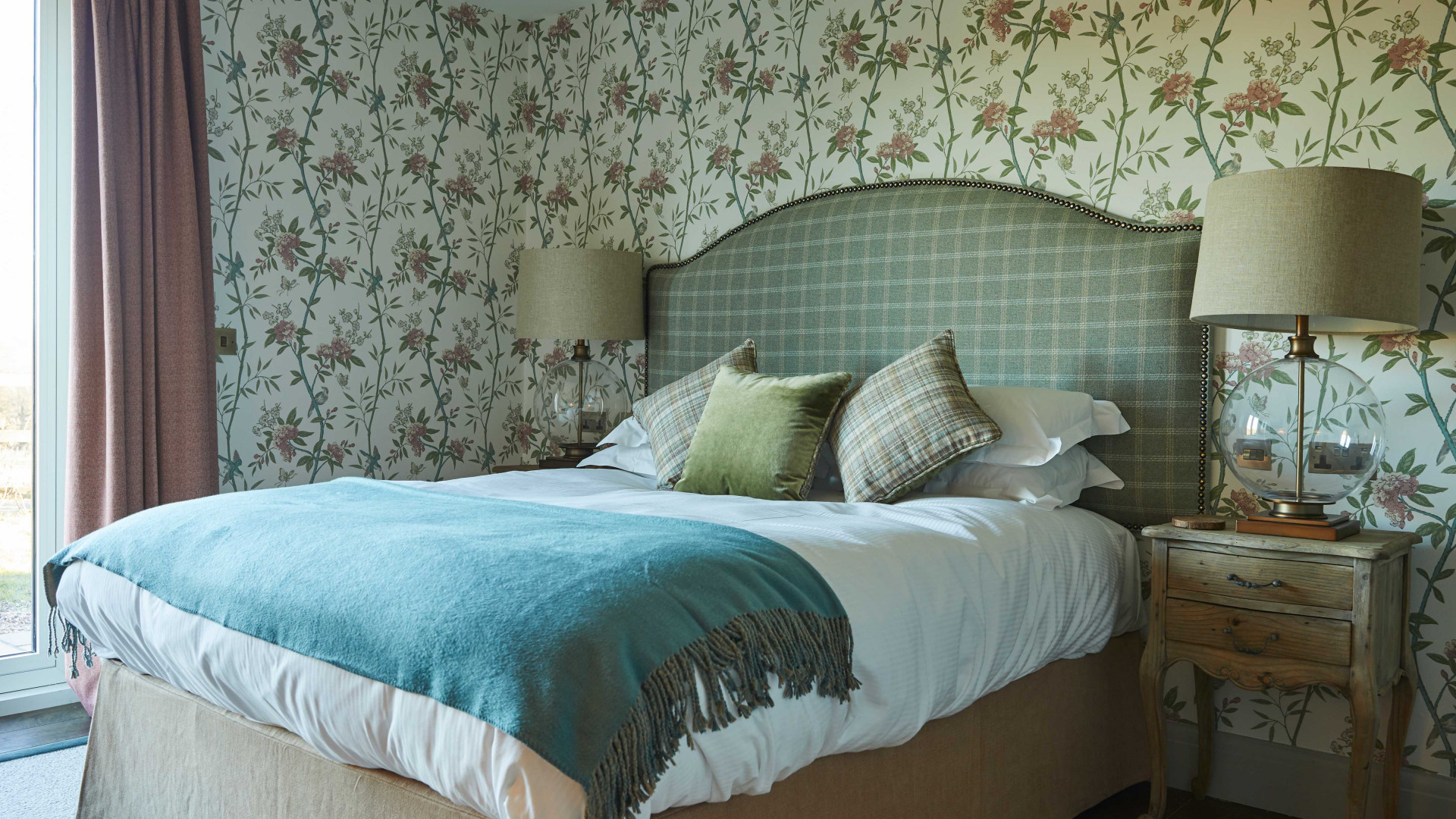 The Duncombe Arms | A guest room