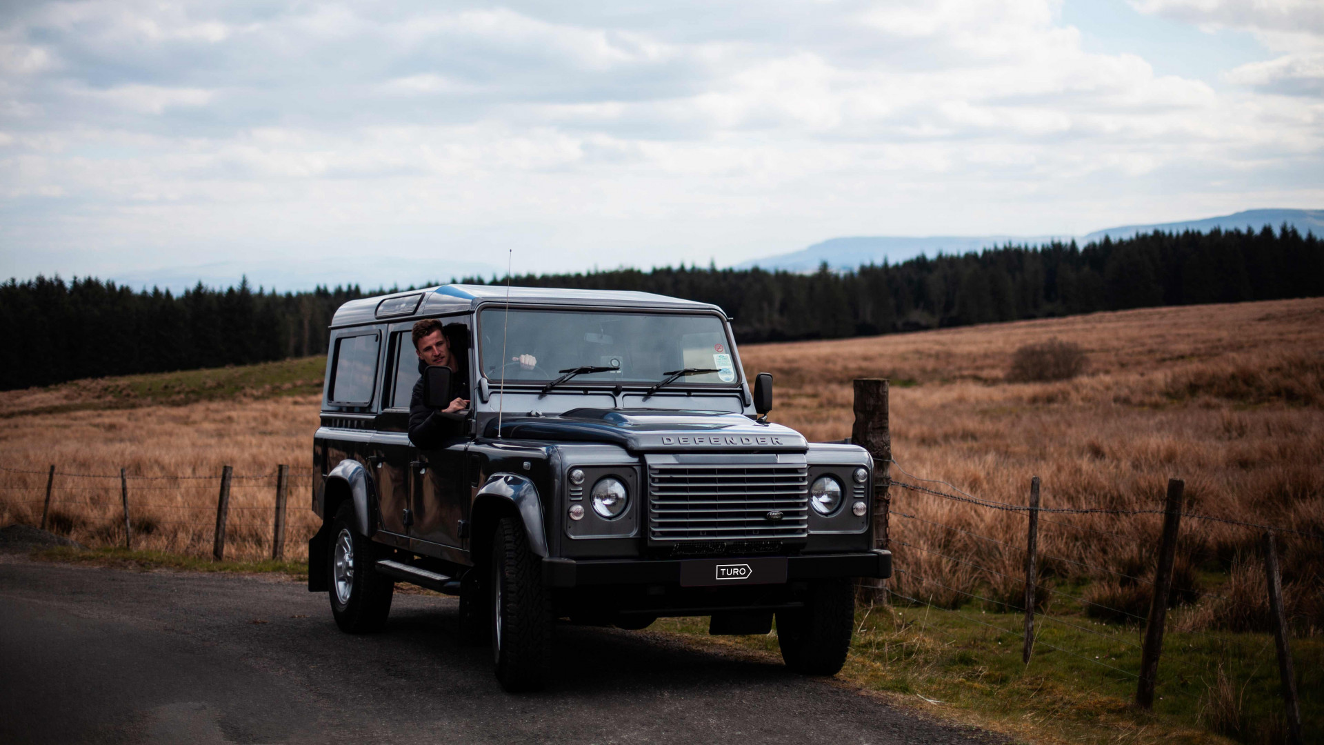 Driving a Land Rover Defender with Turo