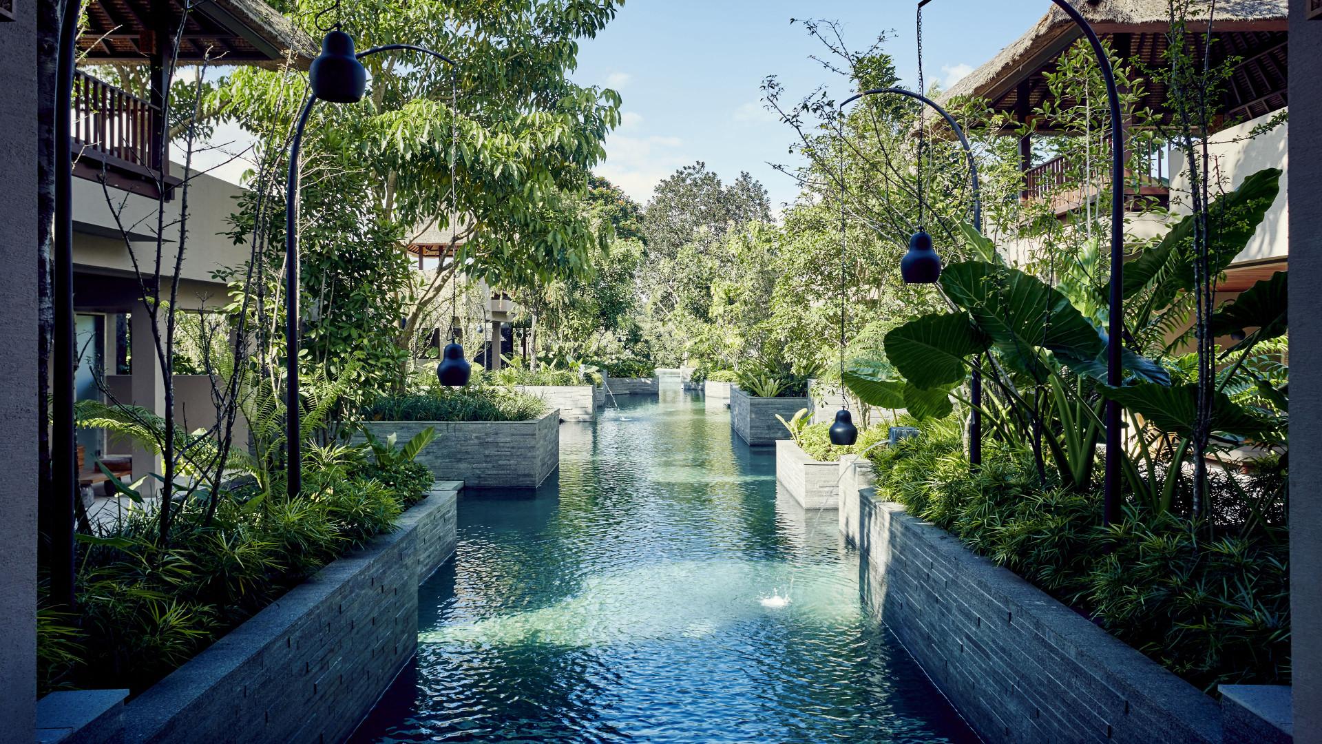 World's Most Awesome Swimming Pools: Hoshinoya Bali