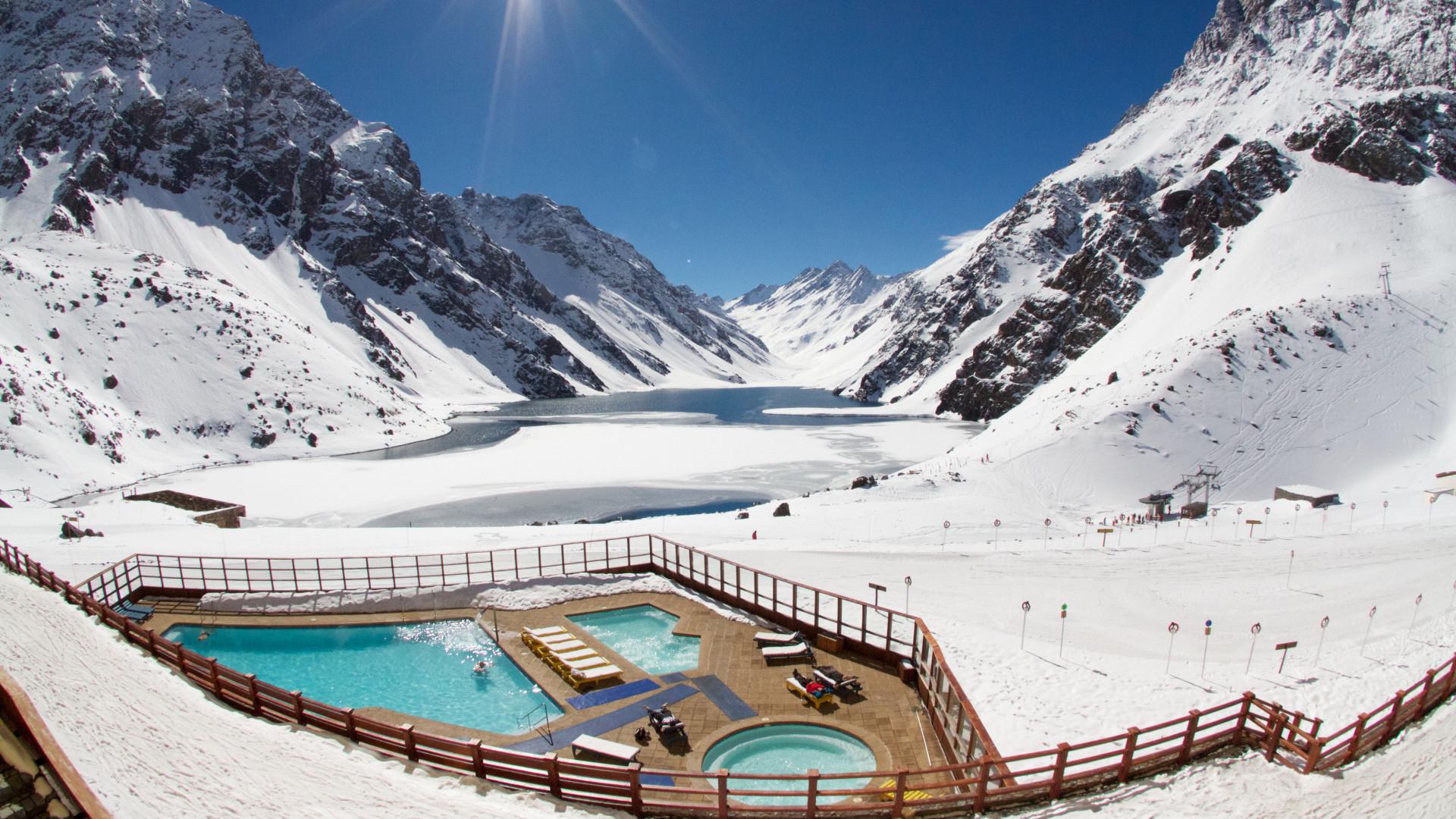 World's Most Awesome Swimming Pools: Ski Portillo Valparaiso