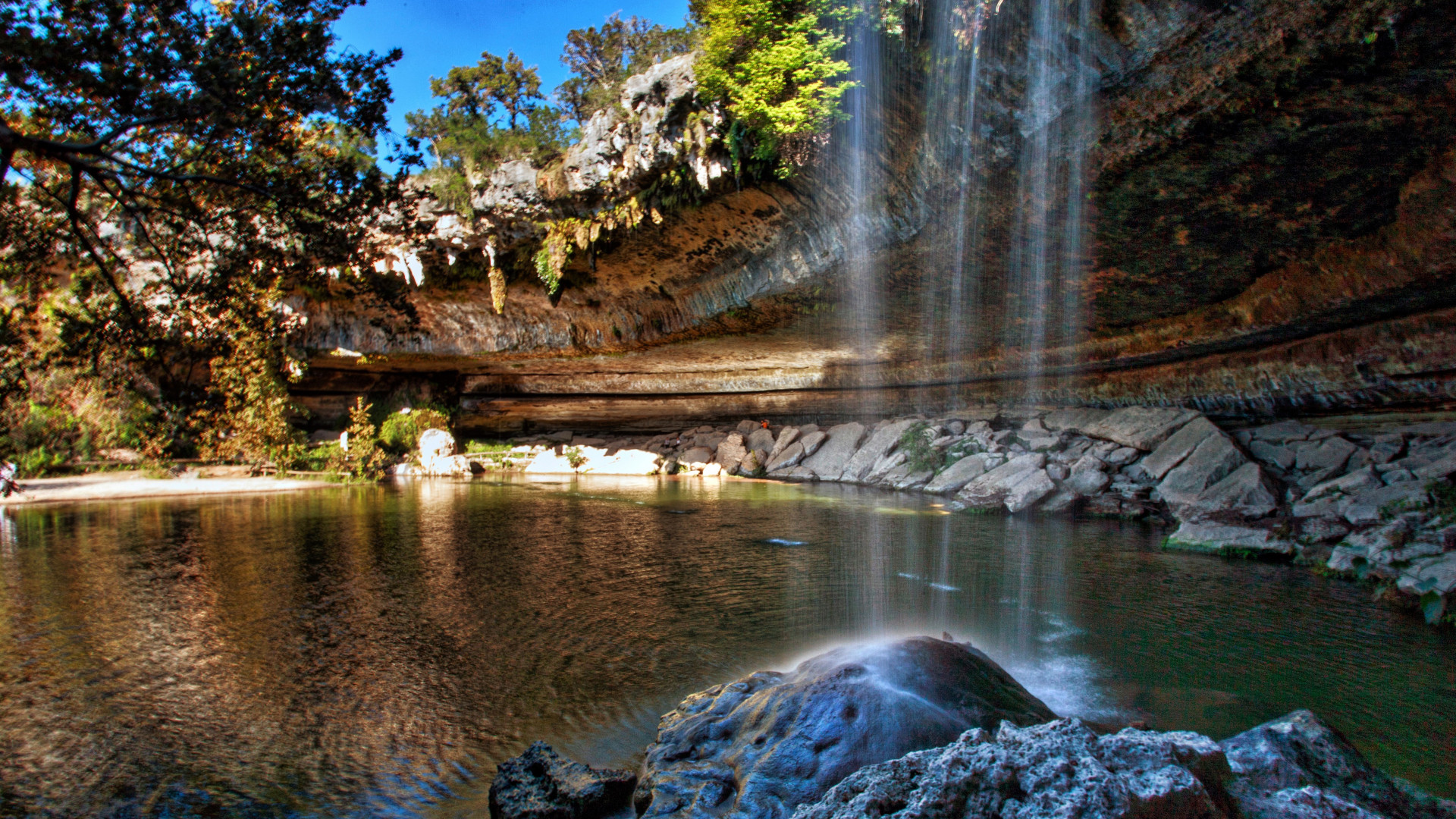 World's Most Awesome Swimming Pools: Hamilton Pool Texas