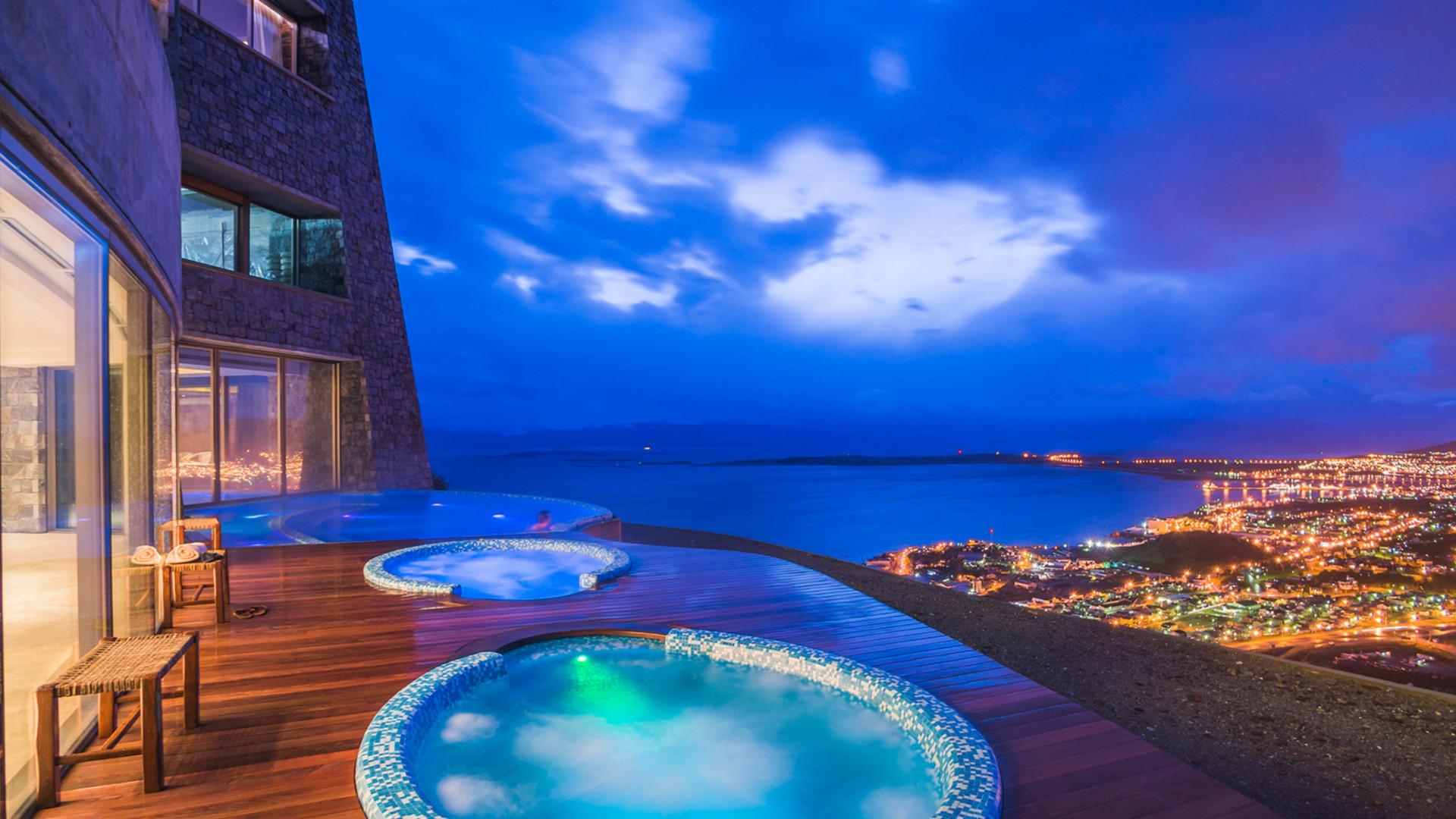 World's Most Awesome Swimming Pools: Arakur Ushuaia Resort & Spa Tierra del Fuego