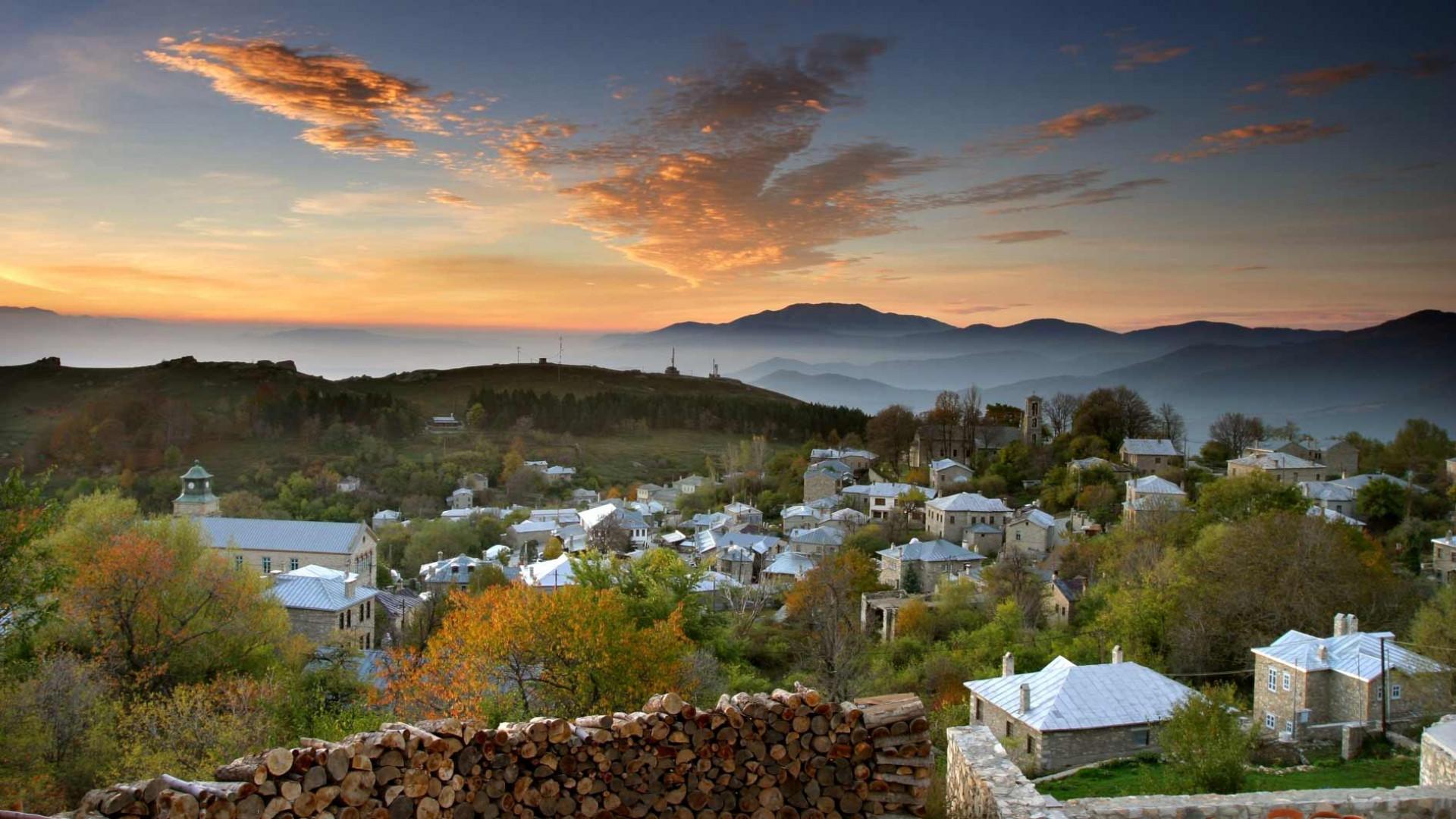 The fairytale village of Nymfaio, Greece