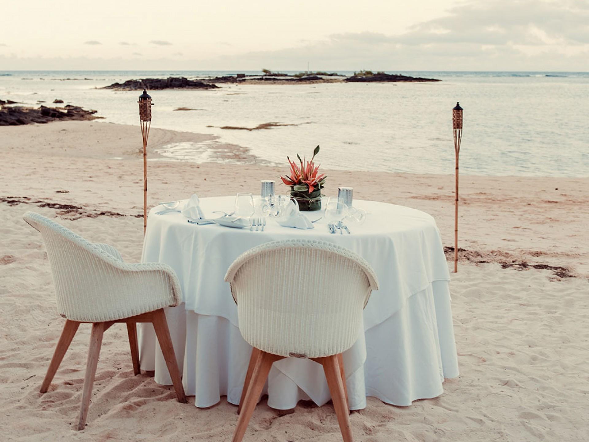 Wedding on the beach at Beachcomber resorts