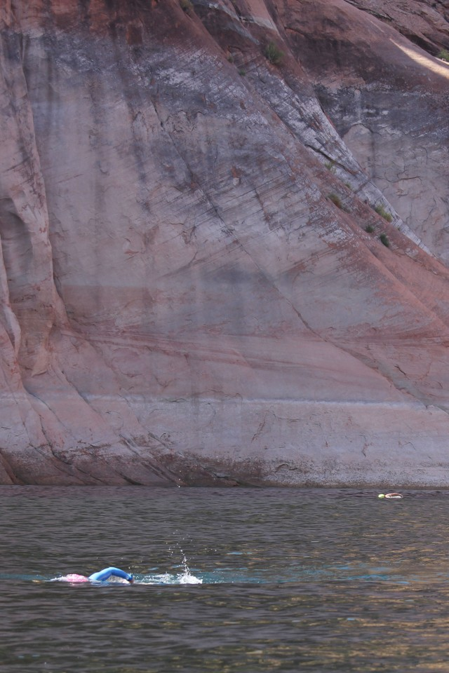 Best adventure holidays | Swimming in Lake Powell
