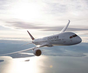 17-hour flight London to Australia with Qantas
