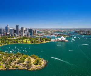 Iconic views over Sydney Harbour